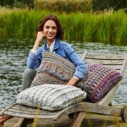Stylecraft Mega Knit Cushion Pattern 9468